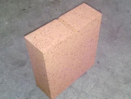 Fused magnesia-alumina spinel brick
